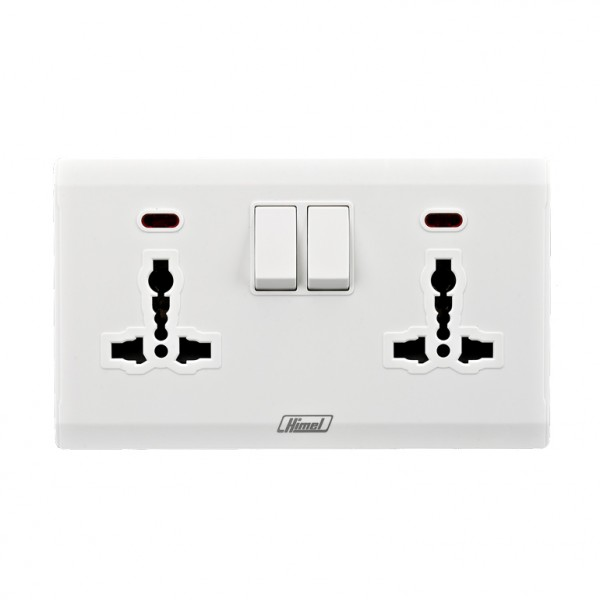 13A Duplex International Switched Socket with Neon