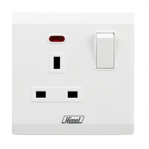 13A 1 Gang Switched Socket with Neon (Flat)