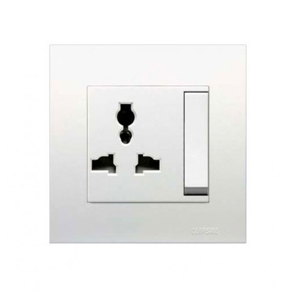 13A International Switched Socket