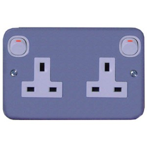 13A 3 Pin Flat Duplex Switched Socket